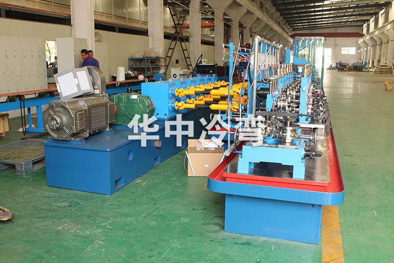 高精度高頻焊管成型機