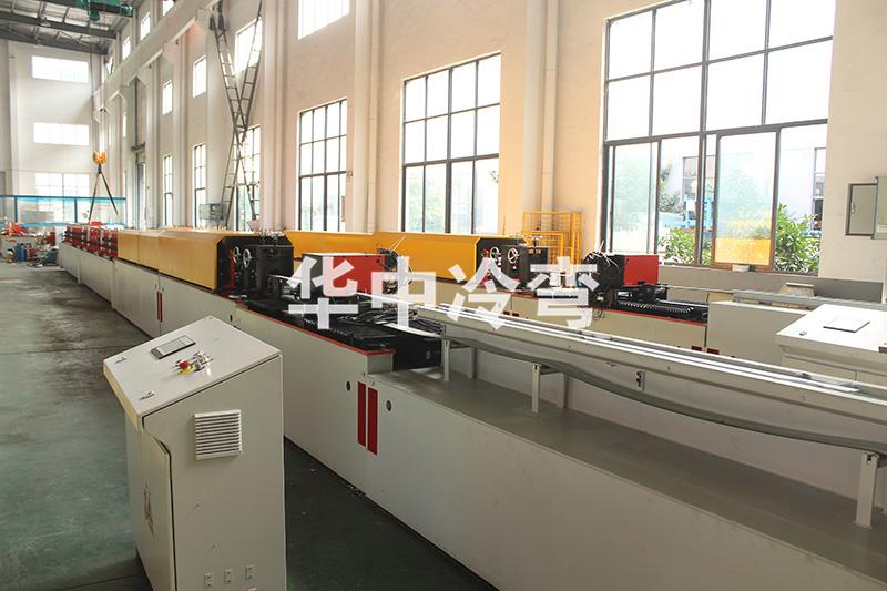 HZ-44、55卷帘窗成型机